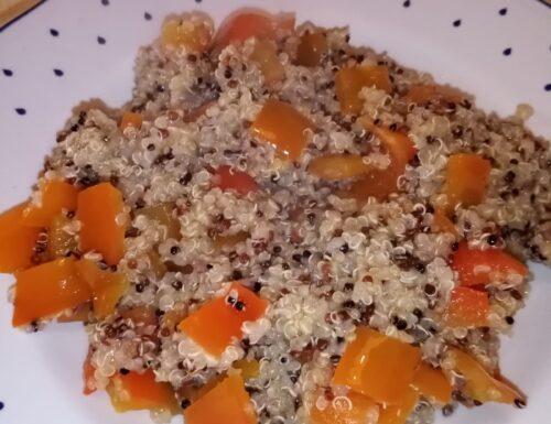 Nuova ricetta: Mix di quinoa con peperoni e peperoncino