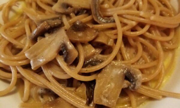 Nuova ricetta: Spaghetti integrali bio con funghi e stracchino
